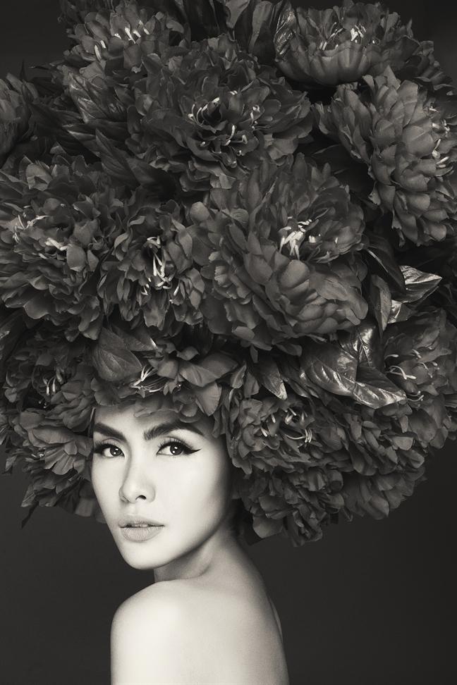 Tang Thanh Ha tai xuat, lam nguoi mau trinh dien mo man