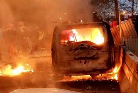 Hơn 1.000 chiếc xe bị thiêu rụi khi đón năm mới tại Pháp