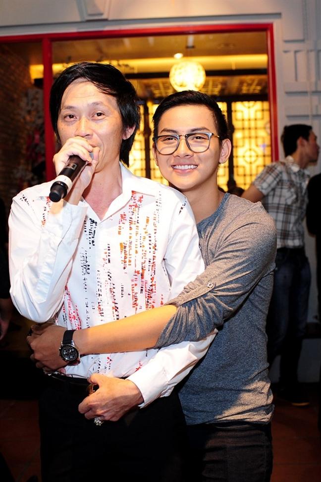 Hoai Lam bac tin don la con nuoi cua Hoai Linh tu My tro ve