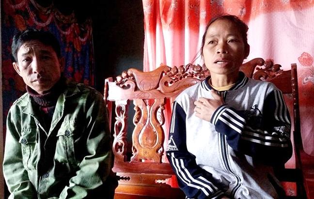 Nu sinh ban hang online mat tich khi di nhan thuong: Dien thoai bat ngo bi 'doi chu'