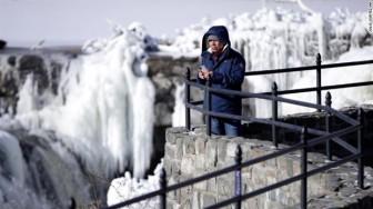 Nước Mỹ chìm trong băng giá, 'lạnh hơn cả tủ lạnh'