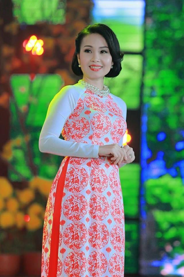 Cam Ly: 'Gioi mo dieu cai luong se co cai nhin khat khe hon voi toi'