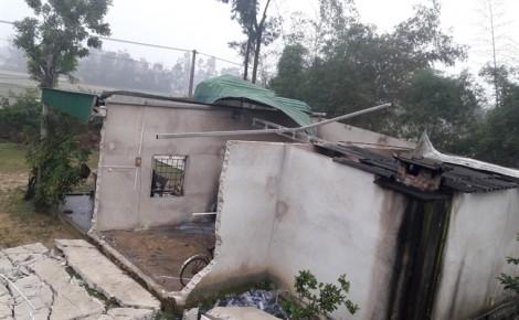 Hiện trường tan hoang sau tiếng nổ lớn khiến nam sinh viên trọng thương ở Nghệ An