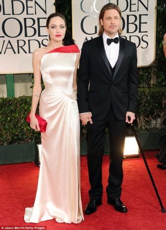 Không còn Brad Pitt, Angelina Jolie đến Quả cầu vàng 2018 cùng Pax Thiên