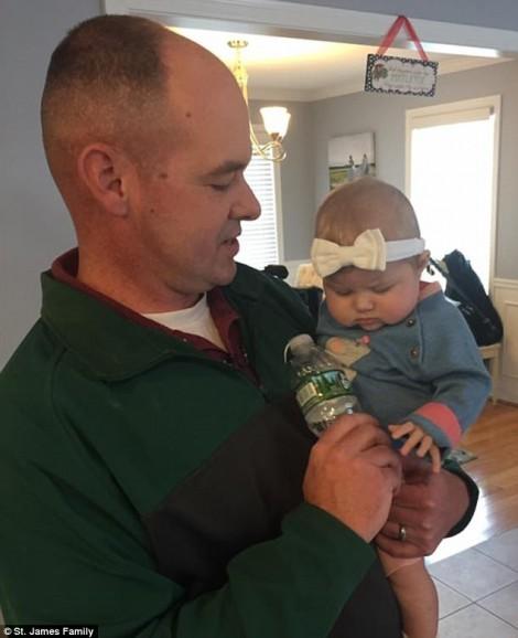 Cảnh sát hiến gan cứu em bé 3 tháng tuổi thoát khỏi tử thần