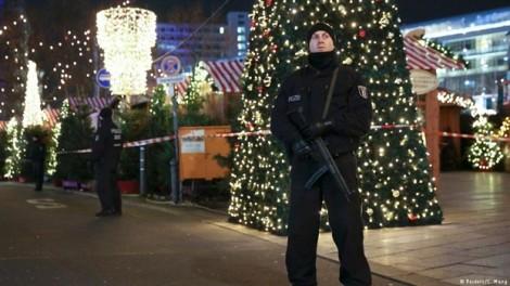 Hai 'cậu bé' âm mưu đánh bom chợ Giáng sinh ở Đức