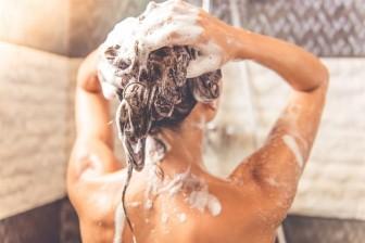 6 cách ngăn ngừa việc rụng tóc theo mùa