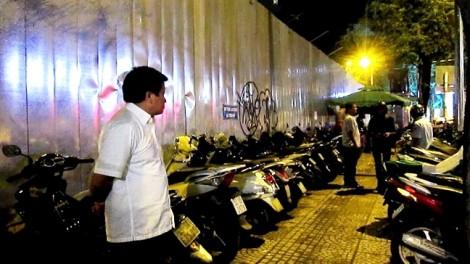 Ông Đoàn Ngọc Hải yêu cầu đình chỉ bãi giữ xe 'sân sau' của quận 1