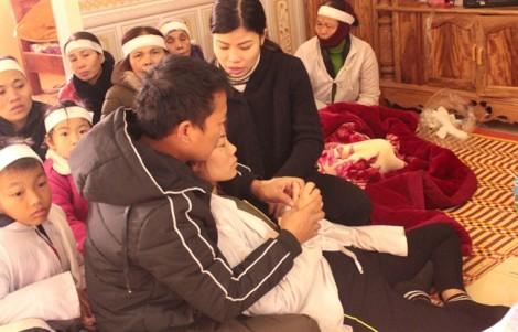 Hai lao động Nghệ An tử vong trong vụ sập giàn giáo ở Lào: Người thân ngất lịm trước cái chết của hai trụ cột gia đình