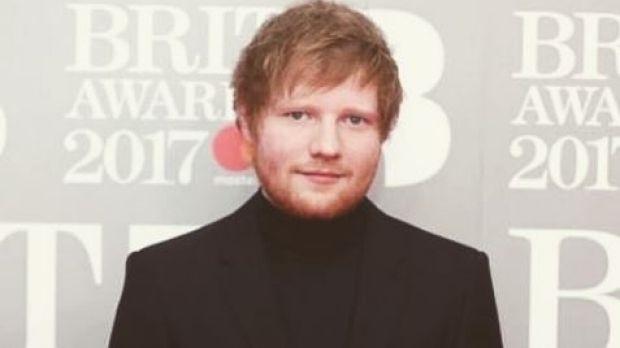 Ca si noi tieng nguoi Anh - Ed Sheeran tiep tuc bi kien vi dao nhac