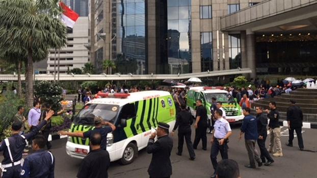 Sap tran trung tam chung khoan Jakarta, nhieu nguoi bi thuong va hoang loan