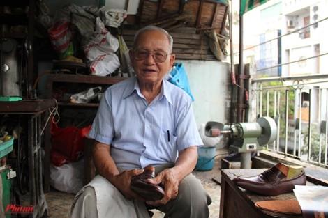 Chuyện về ông thợ đóng giày từ chối 5 triệu USD ở Sài Gòn