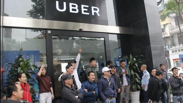 'Noi chien' Grab, Uber
