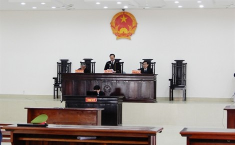 Đà Nẵng: Hoãn xét xử người nhắn tin dọa giết Chủ tịch Huỳnh Đức Thơ