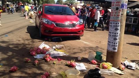 Xe 'điên' tông liên hoàn, người phụ nữ tử vong khi ngồi bán hàng trên vỉa hè