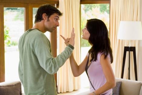 Vợ chồng cãi nhau, muốn không 'tan nhà' hãy nhớ 10 nguyên tắc vàng này