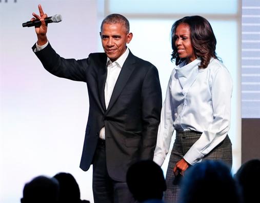 Barack Obama tiep tuc tang diem sau khi roi Nha Trang