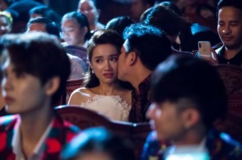 Đạo diễn giải Mai Vàng phẫn nộ vì Trường Giang làm hỏng kịch bản lễ trao giải