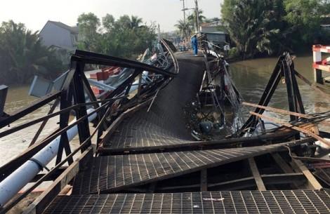 Cận cảnh hư hỏng của cầu sắt Long Kiển sau khi bị xe tải làm sập giữa đêm