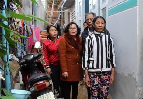 Báo Phụ Nữ trao nhà cho tình thương cho người dân Bình Định