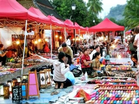 Mua sắm sản phẩm của Lào tại TP.HCM