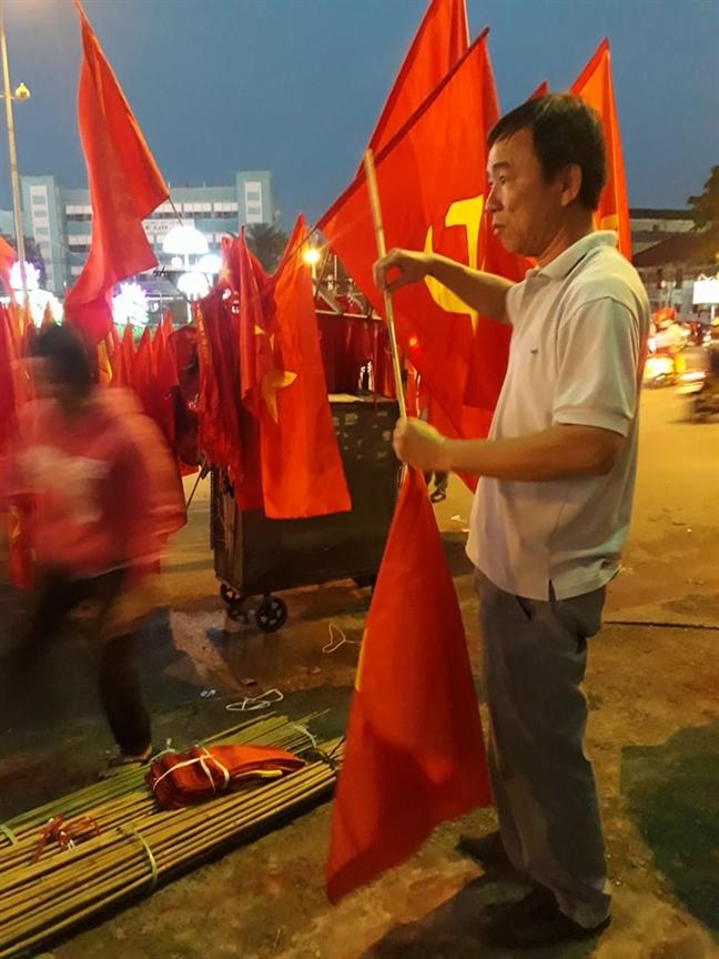Co, ao 'dat nhu tom tuoi' sau chien thang cua U23 Viet Nam
