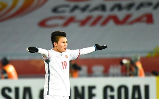 Tap doan xay dung Hoa Binh thuong nong 1 ty cho tuyen U23 Viet Nam