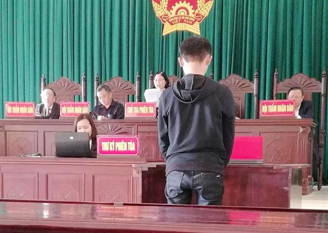 Nam sinh lop 10 linh an vi con nghien phim 'den'
