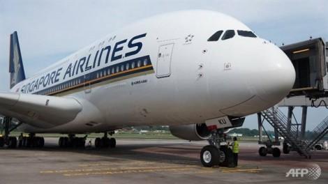Tiếp viên hàng không Singapore Airlines bị bắt giữ vì buôn lậu vàng
