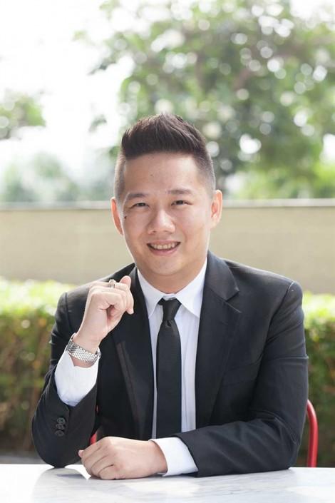 Lộ diện anh chàng giám đốc thưởng nóng hàng ngàn nhân viên mừng trận U23 Việt Nam thắng Qatar