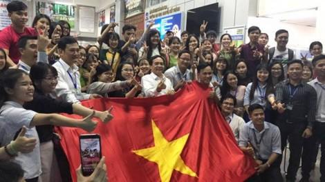 Sinh viên các trường 'nóng' trước trận chung kết U23 châu Á
