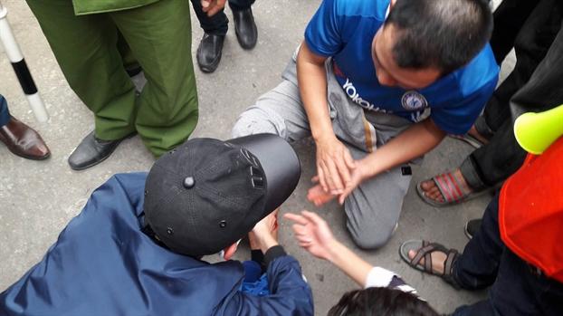 Nguoi ham mo Viet Nam vo oa voi sieu pham da phat 'cau vong trong tuyet' cua Quang Hai