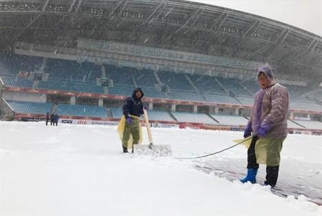 Sức khỏe cầu thủ sẽ thế nào khi đá banh dưới trời tuyết?