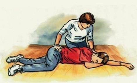 Sơ cứu và di chuyển đúng cách người đột quỵ