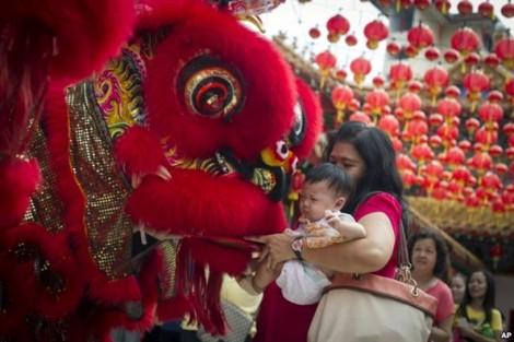 Mừng năm mới Mậu Tuất, Malaysia cất hết các biểu tượng về chó