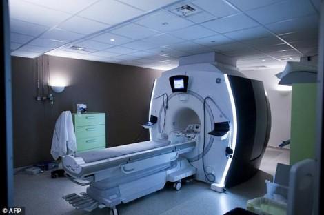 Một người tử vong vì bị hút vào máy MRI