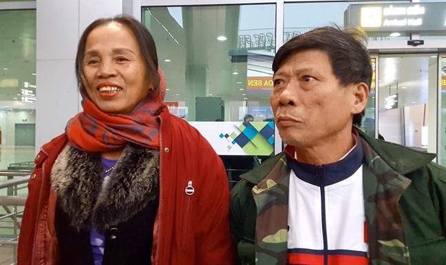 Bo me trung ve Bui Tien Dung: 'Chi mong nhanh gap de om lay con trai'