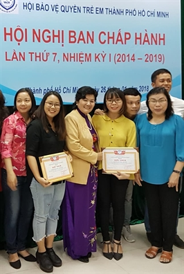 Nam 2017: 14 phien toa gia dinh, thu hut hon 9.000 hoc sinh tham du