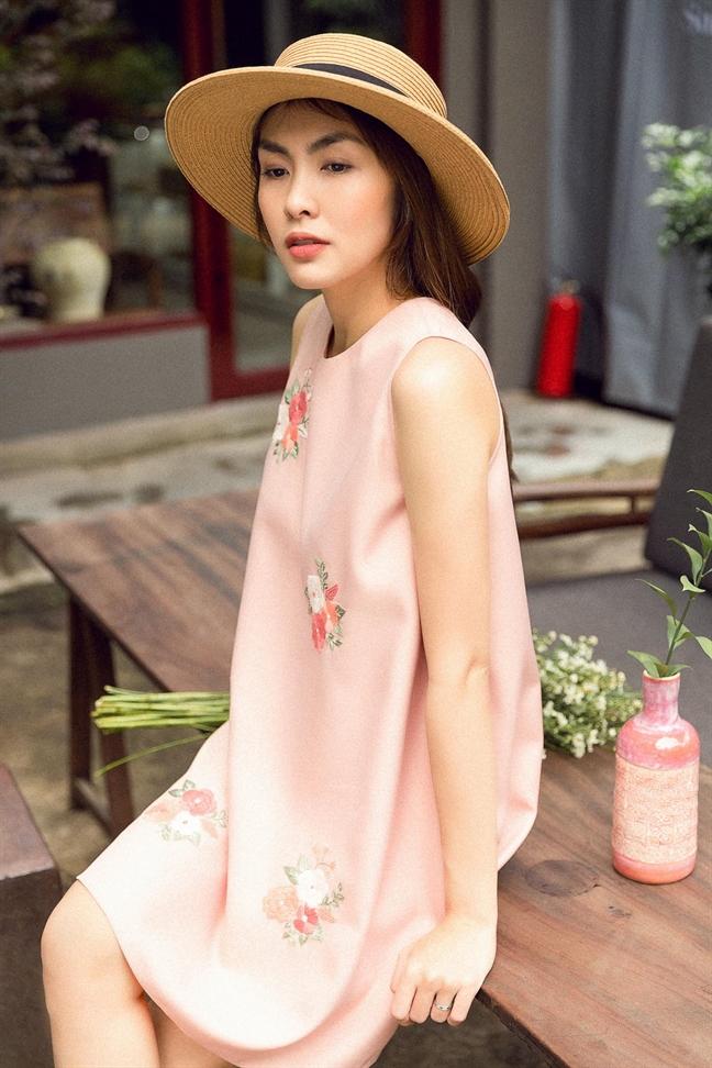 Tang Thanh Ha dep nao long voi vay ao hoa tiet ngay Xuan