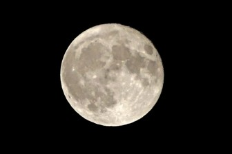 Háo hức đón siêu trăng, trăng máu, trăng xanh hội tụ đêm nay tại Việt Nam