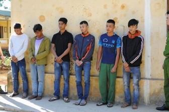 Sáu thanh niên dùng hung khí tấn công 3 chiến sĩ công an