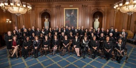 Nghị sĩ Mỹ mặc đồ đen để 'gửi thông điệp' cho Tổng thống Trump