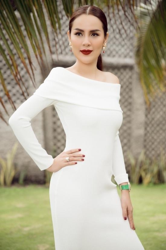 Hoa hau Phuong Le: 'Toi da giam 40 kg sau sinh nho an uong, tap luyen'