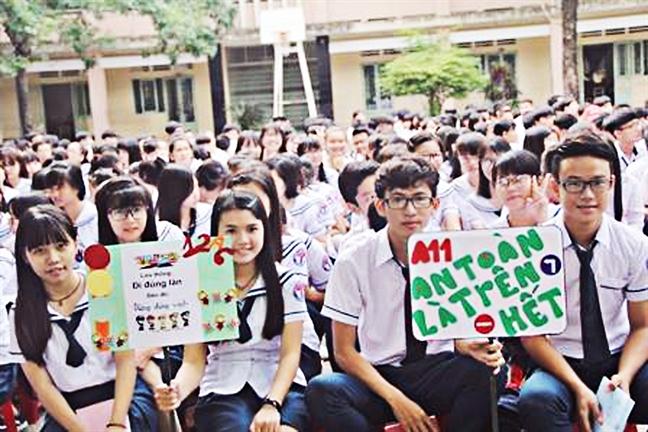 Truong THPT Le Minh Xuan: Nhieu hoc sinh xin chuyen lop vi… thay chu nhiem