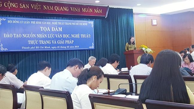 NSUT Thanh Thuy: 'Hoat dong dao tao cac bo mon nghe thuat truyen thong dang gap nhieu kho khan'