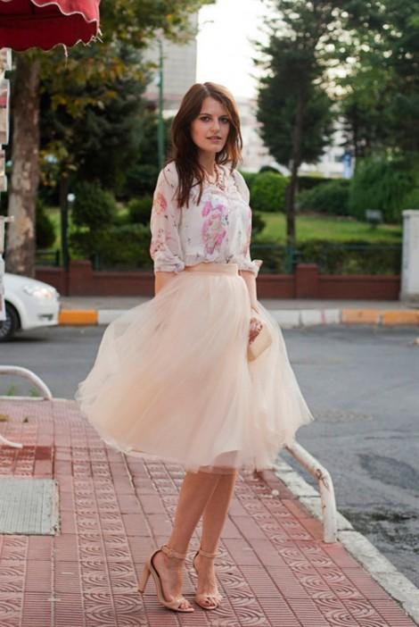 8 lý do bạn gái nhất định phải kết thân với váy midi