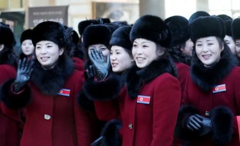 Người Hàn Quốc trầm trồ trước 'đội quân nhan sắc' Triều Tiên