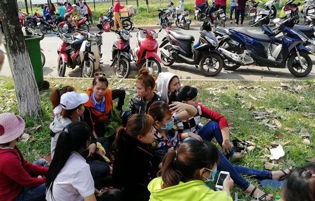 Tinh Dong Nai se trich ngan sach tra nua luong cho 1.900 cong nhan bi chu 'tron' luong
