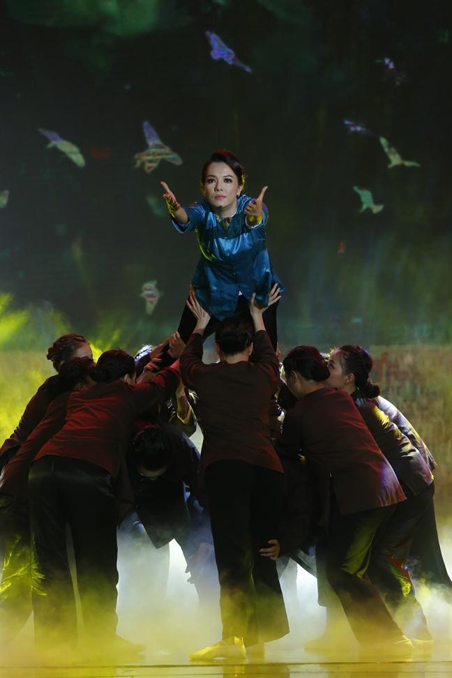 Dien vien Huu Tin la Quan quan 'Nguoi nghe si da tai 2017'