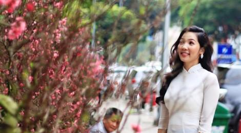 Muôn sắc áo dài 'cô Ba' trên phố xuân Sài Gòn